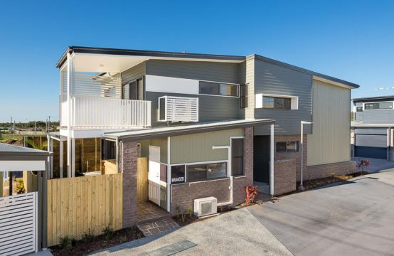2/235 Lacey Road